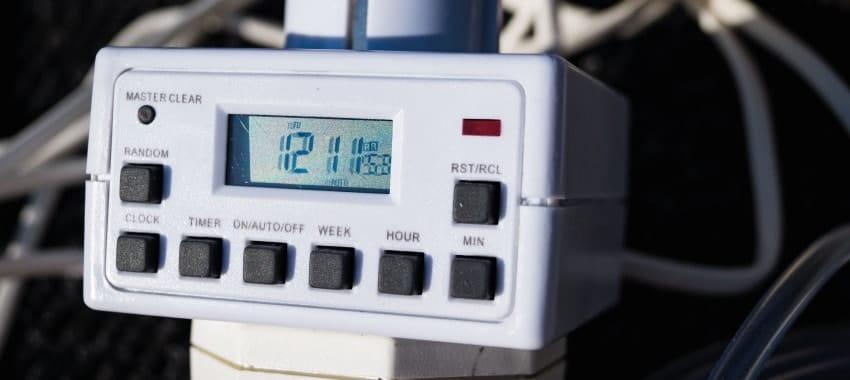 Die Zeitschaltuhr des Gerätes.